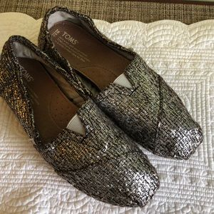 Shimmery Toms